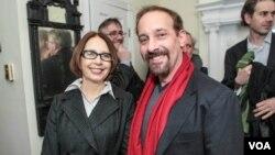 Ольга Славникова и Джон Наринс