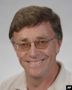 乔治华盛顿大学法学院教授伊拉•鲁普