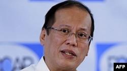 Tổng thống Philippines, Benigno Aquino, đề nghị các nước trong Hiệp hội ASEAN nên cùng nhau giải quyết vấn đề Biển Đông trước khi mời Trung Quốc tham gia thảo luận