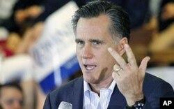 លោក Mitt Romney បេក្ខជនប្រធានាធិបតីខាងគណបក្សសាធារណរដ្ឋបានថ្លែងទៅកាន់ទីផ្សារកសិករមួយនៅរដ្ឋ the Mississippi ថ្ងៃទី៩ ខែមិនា ឆ្នាំ២០១២។