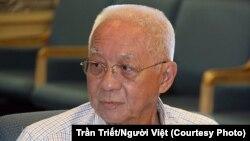 Nhà báo Nguyễn Ngọc Linh được xem là người đặt viên gạch đầu tiên cho khuynh hướng truyền thông mới. Ảnh: Trần Triết/Người Việt.