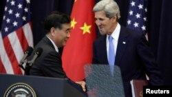 Вице-премьер Госсовета КНР Ван Ян и госсекретарь США Джон Керри. Госдепартамент США,. Вашингтон. 10 июля 2013 г.