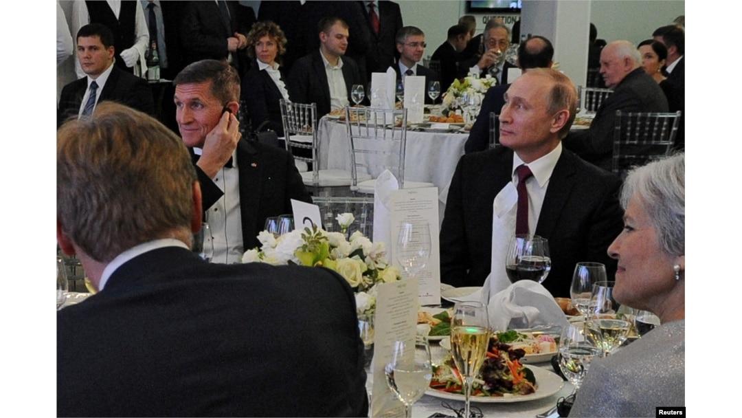 Revelan más pagos rusos a exasesor de seguridad nacional Michael Flynn