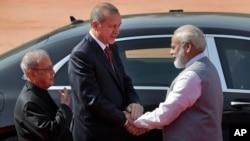 Cumhurbaşkanı Erdoğan, Yeni Delhi'de Hindistan Başbakanı Narendra Modi