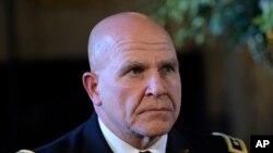 Le général McMaster est nommé à la tête du Conseil de sécurité nationale, à Palm Beach, le 20 février 2017.