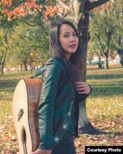 Laura Sekarputri, musisi Indonesia yang menjadi Guru Terapi Musik di kota Boston, AS (dok. pribadi).