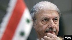 Dubes Suriah untuk Liga Arab, Yussef Ahmed menghadiri sidang darurat Liga Arab di Kairo (12/11).