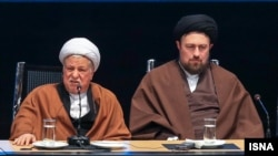 هاشمی رفسنجانی حسن خمینی را شبیهترین فرد به پدربزرگش، آیتالله خمینی توصیف کرد - عکس از آرشیو