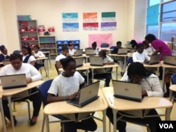 Students at the all-girl Excel Academy in Washington, D.C. (J. Taboh/VOA)