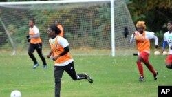 Đội tuyển bóng đá nữ Haiti tại một buổi tập luyện ở South Bend, Indiana.
