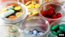 Pemalsu lebih gesit bertindak dibanding pemerintah yang perlu waktu lama untuk menyusun kebijakan yang bisa mencegah peredaran obat palsu.