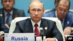 El presidente ruso, Vladimir Putin, asiste a la cumbre de BRICS de mercados emergentes y países en desarrollo, en Xiamen, China, el martes, 5 de septiembre, de 2017.