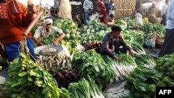 Հնդկաստանում տասնյակ հազարավոր մարդիկ բողոքում են սննդի բարձր գների դեմ