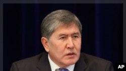 ခါဂ်စ္စတန္သမၼတ Kyrgyz President Almazbek Atambayev ဒီဇင္ဘာ ၂၉၊ ၂၀၁၁။