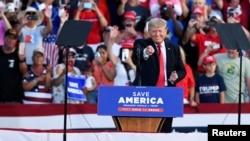 Bivši predsednik Donald Tramp na mitingu u Velingtonu u Ohaju, 26. juna 2017.