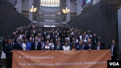 第一届国际环境伙伴会议出席人士(美国之音钟辰芳拍摄)