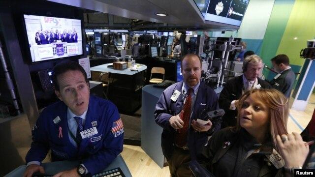 La bolsa de valores de Nueva York subió 70 puntos con el reporte de desempleo en EE.UU.