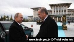 Tổng thống Nga Vladimir Putin và Tổng thống Thổ Nhĩ Kỳ Recep Tayyip Erdogan