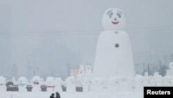 哈尔滨国际冰雪节,冰雕雪刻五光十色(29图)