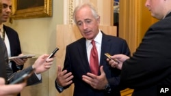 20일 미국 워싱턴 의회에서 밥 코커 상원 외교위원장이 기자단의 질문에 답하고 있다.