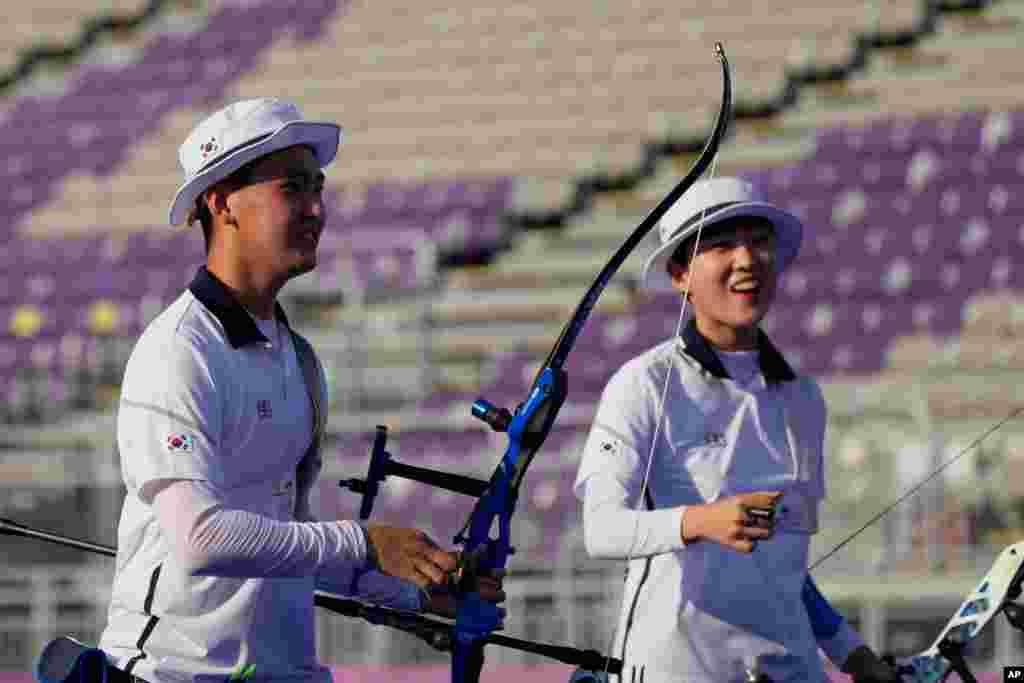 일본 도쿄 유메노시마 공원 양궁장에서 열린 2020 도쿄 올림픽 양궁 혼성단체전에서 안산과 김제덕 선수가 한국의 첫 금메달을 수확했다.