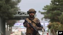 یک پیکارجوی طالبان. آرشیو