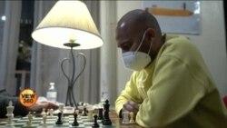 نیویارک چیس کیفے: کرونا بحران میں شطرنج کا جنون