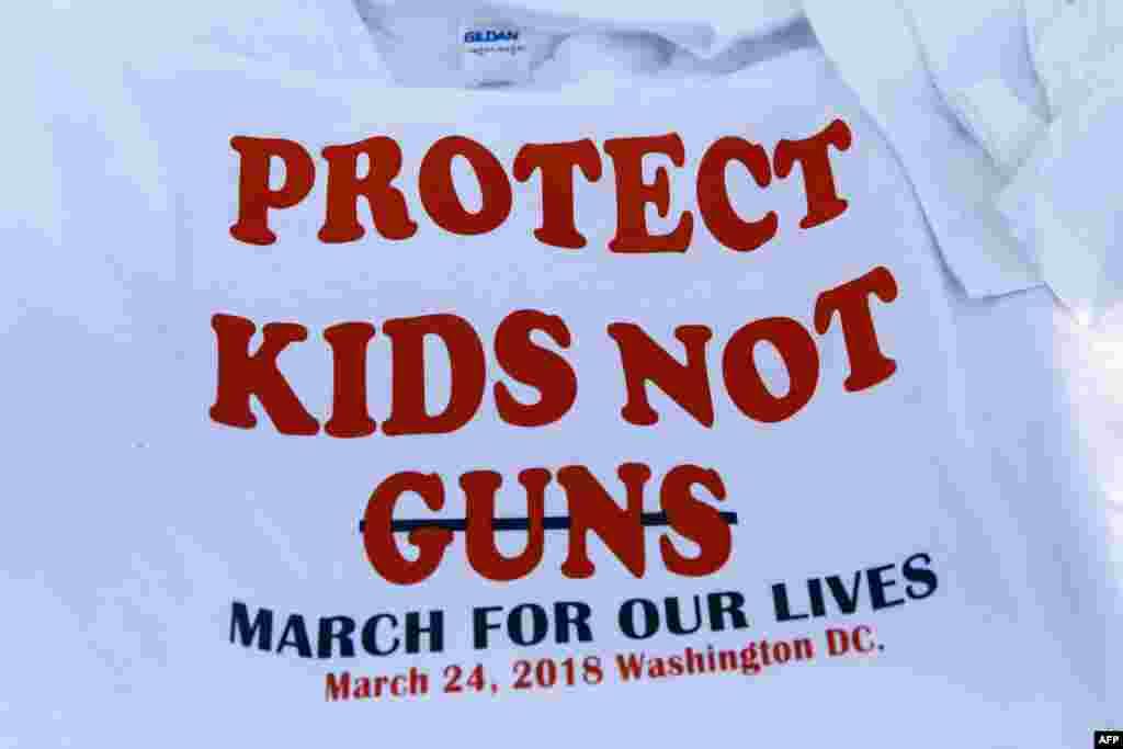 پایتخت آمریکا روز شنبه صحنه تظاهرات و راهپیمایی، با هدف وضع قوانین سختگیرانه در مورد استفاده از اسلحه
