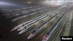 25일 중국 후베이성 우한의 고속열차 기지.