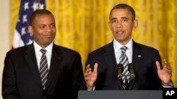 El presidente Barack Obama presentó oficialmente a Anthony Foxx, actual alcalde de Charlotte, Carolina del Norte para que ocupe el cargo de secretario de Transporte.