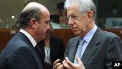 Španski i italijanski ministri finansija, Luis de Gvindos Hurado i Mario Monti