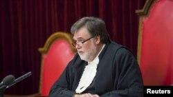 Thẩm phán Eric Leach đọc phán quyết đối với vận động viên Oscar Pistorius tại Tòa phúc thẩm tối cao Nam Phi ở Bloemfontein, ngày 3/12/2015.