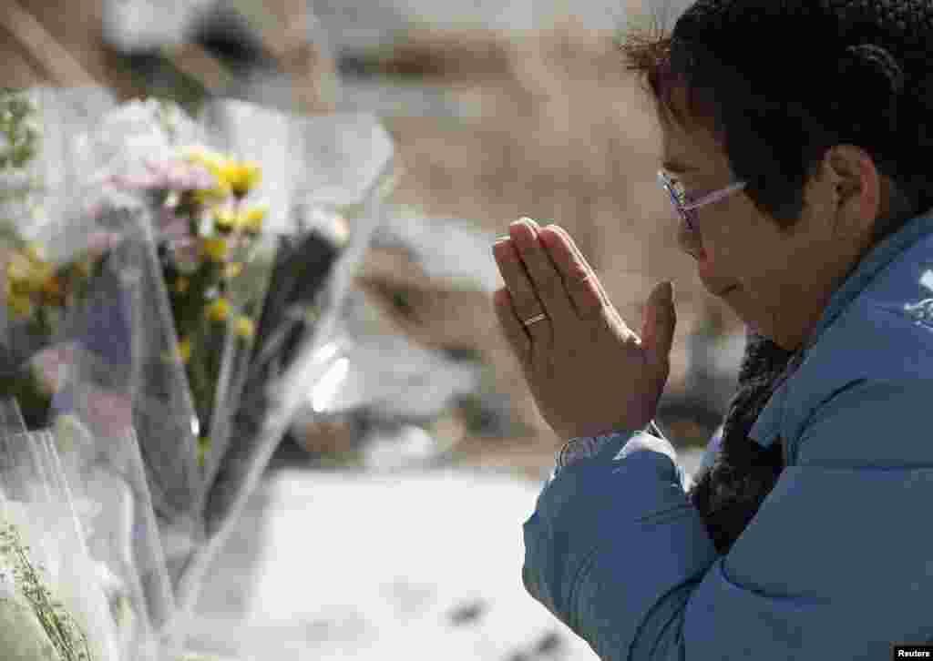 زلزلے سے ہلاک و متاثر ہونے والوں کی یاد میں ملک بھر میں تقریبات منعقد کی گئیں۔