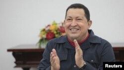 Presiden Venezuela Hugo Chavez menghadiri sidang kabinet di Istana Miraflores, Caracas (Foto: dok). Chavez akan mendaftarkan diri secara resmi sebagai calon presiden Venezuela untuk pemilihan tahun 2012, hari Senin.