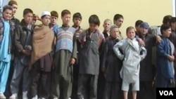 لیلا زروگی: طالبان و گروه های وابسته به آن گروه، شبکه حقانی، حزب اسلامی گلبدین حکمتیار و القاعده بیشترین خشونت ها را بر ضد اطفال افغانستان در سراسر آن کشور مرتکب می شوند.
