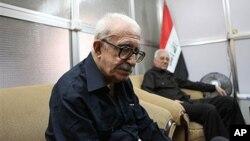 Cựu phó thủ tướng Tariq Aziz trong một cuộc phỏng vấn do hãng tin AP thực hiện ở Baghdad, Iraq năm 2010