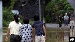 جاپان میں سمندری طوفان سے تباہی، 15 ہلاک