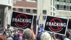 Congress Debates Tighter Gas Industry Rules