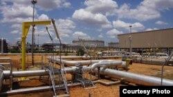 Saluran minyak di Paloch, Sudan Selatan (Foto: dok). Ancaman baru Sudan untuk menutup pipa saluran minyak penting dituding Sudan Selatan sebagai langkah pemerasan dalam sejarah diplomasi antara dua negara.