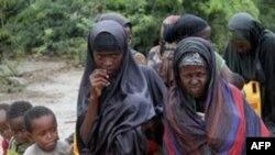 Somalidə on minlərlə insan aclıqdan ölüb