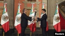 Pengambilan sumpah Presiden baru Meksiko, Enrique Peca Nieto, Sabtu (1/12).