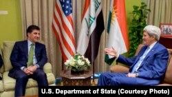 Kerry ligel Serokwezîrê Herêma Kurdistanê Nêçîrvan Barzanî kom bû