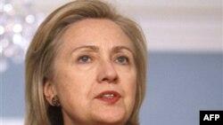 Ngoại trưởng Clinton nhắc lại chính quyền Obama không rút lại bất cứ giải pháp nào, gồm cả giải pháp quân sự