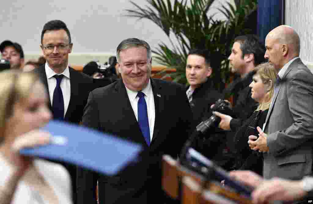 مایک پمپئو پیش از لهستان در بوداپست مجارستان با مقامات این کشور دیدار کرد. او نسبت به تلاش روسیه برای ایجاد شکاف بین اعضای ناتو هشدار داد.