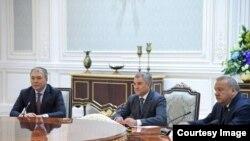 O'zbekiston rahbari Shavkat Mirziyoyev Rossiya Dumasi vakillari bilan muloqotda, 16-sentabr, 2019