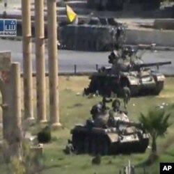 شام: ٹینکوں سے حما شہر کا گھیراؤ برقرار