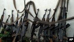 Automatske pušte tipa AK-47 Kalašnjikov su vrsta oružja sa kojim se naveliko trguje svuda u svetu