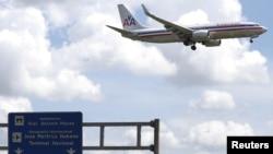 Un avión de American Airlines se prepara para aterrizar en el aeropuerto José Martí de La Habana. Septiembre 19 de 2015.