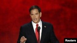 """""""El tema más inmediato que podemos resolver es el de estos chicos que están en este país con estatuto indocumentado"""", dijo Rubio."""