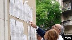 Los cerca de 50.000 argentinos que viven en el exterior habilitados para votar representan un aumento del 10% con respecto a las elecciones legislativas de 2009.